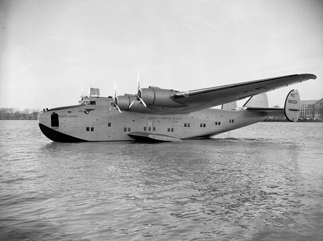 Boeing 314 Dixie Clipper que utilizó Roosevelt para vuelos intercontinentales US Air Force