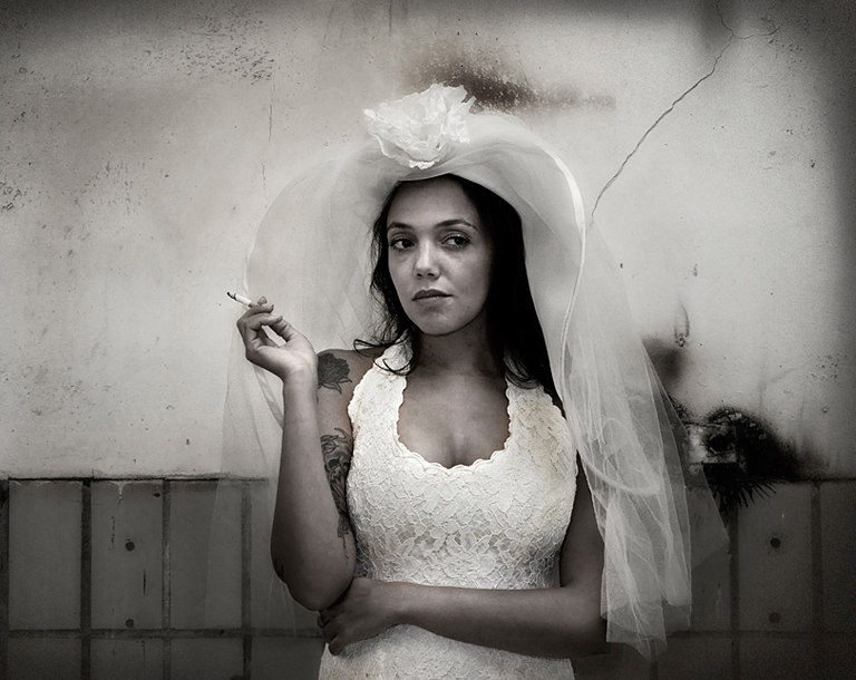 Smoking Bride. MarionO