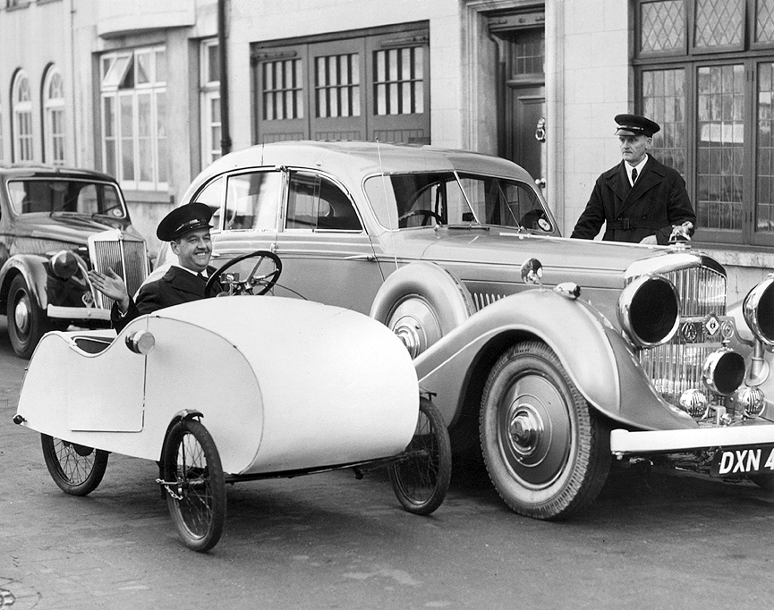 Velocar, a pedales. Londres, 1939. Getty Images